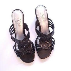 Life Stride Black Dress Sandal with Heel 7.5W